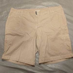 Lane bryant khaki bermuda cargo shorts